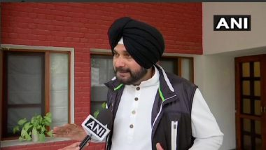 Pulwama Attack: Navjot Singh Sidhu Talks of Dialogue With Pakistan Even After Terrorist Attack on CRPF Jawans