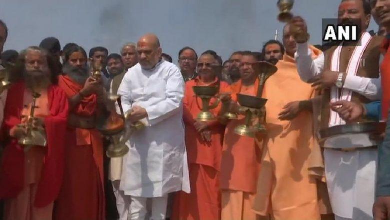 Kumbh Mela 2019: BJP President Amit Shah, Uttar Pradesh CM Yogi Adityanath Take Holy Dip in Sangam