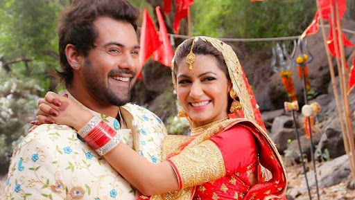 Kumkum Bhagya to Take 25 Years Leap Soon; Are Shabbir Ahluwalia and Sriti Jha Quitting the Show?