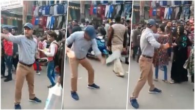 'Pakistan Murdabad!' Man Shouts Slogans to Protest Pulwama Attack and Sell Shoes at the Same Time
