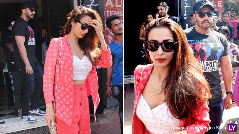Malaika Arora Spending Sunday Afternoon Lunching With Arjun Kapoor and His Family Members is Another Proof that Marriage Is On Cards  - Watch Video