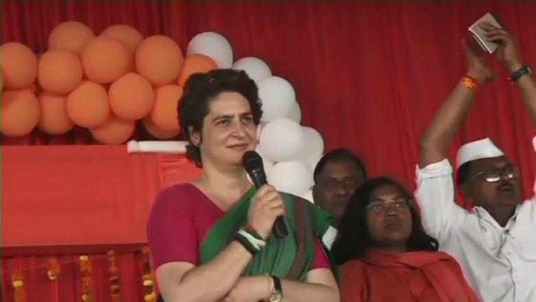 Priyanka Gandhi Kickstarts Uttar Pradesh Campaign With Attack on PM Narendra Modi, Says 'Chowkidars Are For Rich, Not Farmers'