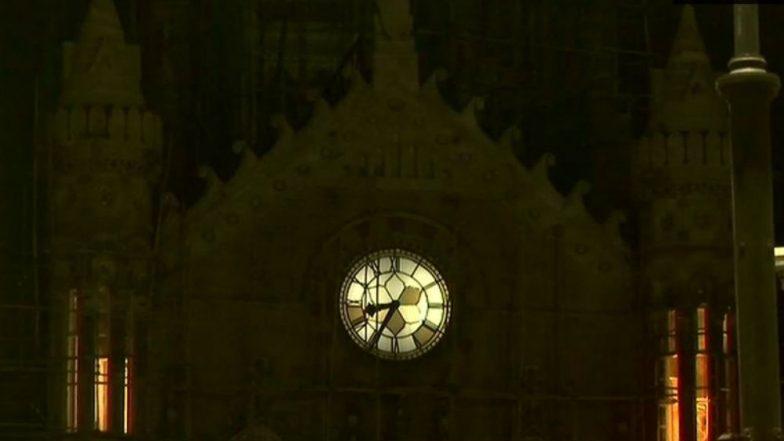 Earth Hour 2019: Mumbai's Chhatrapati Shivaji Maharaj Terminus, India Gate Turns Off Lights to Mark Occasion, See Pics