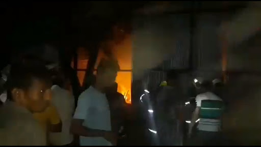 Mumbai: Fire Breaks Out at Chembur's Siddharth Colony, Emergency Services Pushed in; Watch Video