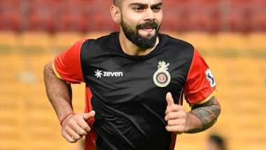 Virat Kohli Meets a Young Fan in Bengaluru as he Joins Team RCB for IPL 2019 (See Pic)