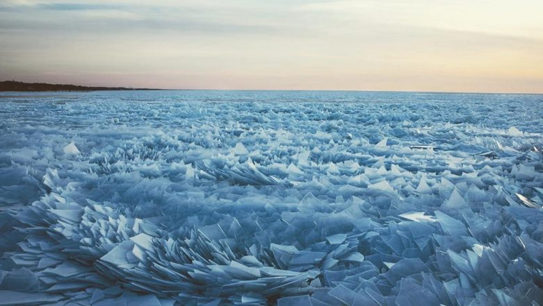 Lake Michigan Looks Stunning as Frozen Ice Breaks into a Million Pieces! (See Pictures)