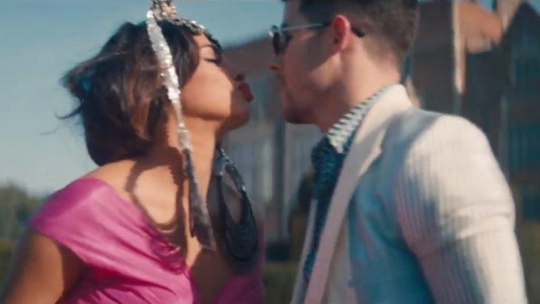 Nick Jonas Is A 'Sucker' For Priyanka Chopra And His Latest Tweet Proves The Same!