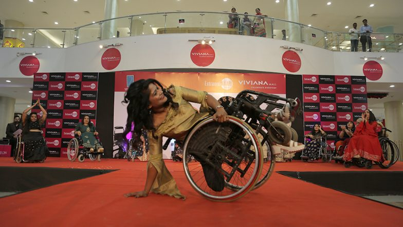 International Women's Day 2019: Differently abled Women Peform Acrobatics on Wheelchair at 'ExtraordiNAARI' Event in Mumbai Mall