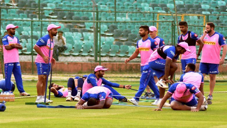 VIVO IPL 2019: Ajinkya Rahane and Fellow Rajasthan Royals Players Get Stuck Outside Sawai Mansingh Stadium