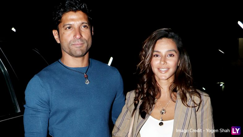 Lovebirds Farhan Akhtar and Shibani Dandekar Pose for the Shutterbugs at the Special Screening of Photograph! See Pics