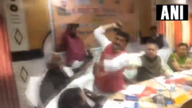 BJP MP Sharad Tripathi Beats Party MLA Rakesh Baghel With Shoe at District Planning Committee Meet, Watch Video!