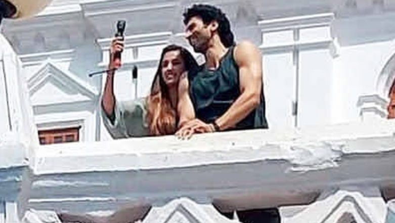 Disha Patani and Aditya Roy Kapur Are All Smiles as They Leave For Malang Shoot in a Ferry (View Pics Inside)
