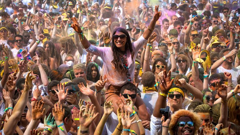 Holi 2019: How to Throw a Perfect Holi Party; 7 Tips to Keep in Mind