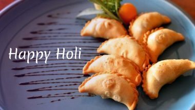 Holi 2019 Recipes: Here's How You Can Make Delicious Ghujiyas at Home to Celebrate the Festival of Colours!
