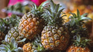How to Eat Pineapple? Viral Video Schools Internet the 'Correct' Way to Eat This Tropical Fruit