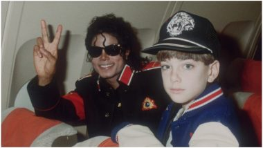 Michael Jackson in Disguise Buys Ring with a Child in an Old CCTV Footage Amidst Leaving Neverland Outrage (Watch Video)