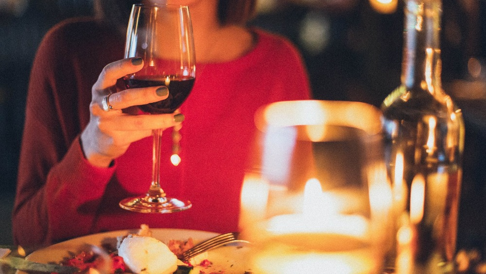 Want a Perfect First Date? Here Are the Dos and Don'ts You Must Jot Down Real Quick!
