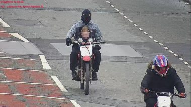UK Police in Search of Biker Who Performed Stunts With a Child on Fuel Tank, Incident Caught on CCTV; See Picture