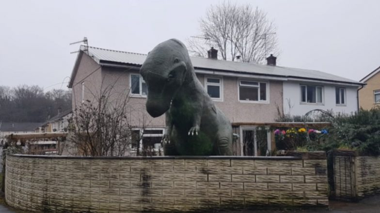 Cwmbran Man Installs Life-Size Plastic Dinosaur Outside His Home and It's a Neighbourhood Attraction Now! (Watch Video)