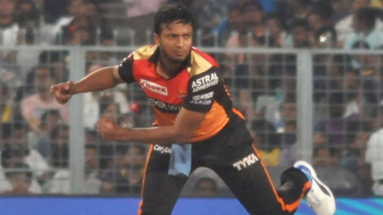 Team Sunrisers Hyderabad Celebrates Shakib Al Hasan's Birthday; Paint the All-Rounder's Face With Cake (Watch Video)