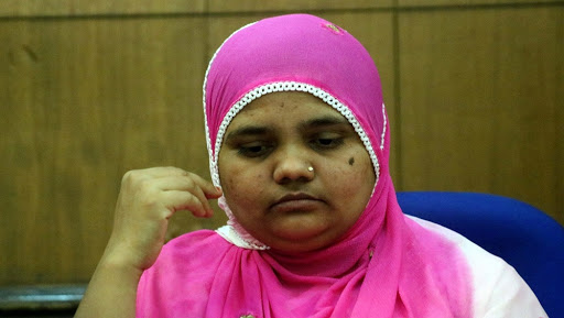 Bilkis Bano Gangrape Case: Supreme Court Directs Gujarat Government to Provide Rs 50 Lakh Compensation, Job to 2002 Riots Victim