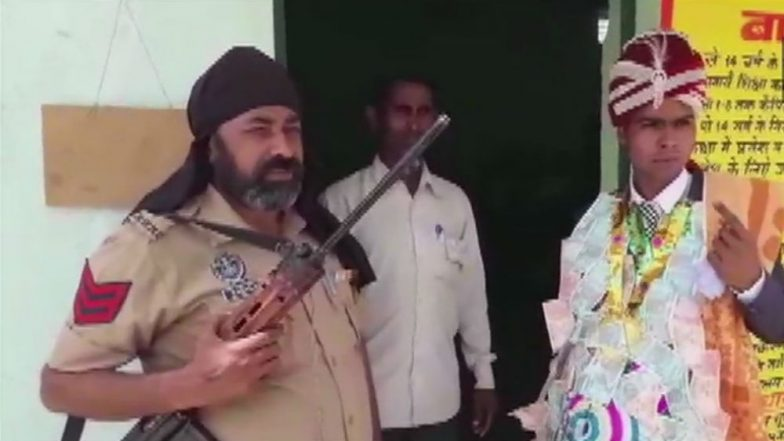 Lok Sabha Elections 2019: Groom Arrives at Polling Booth Straight From Wedding to Vote in First Phase Polls in Bijnor, Uttar Pradesh