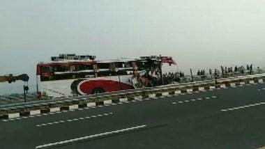 Uttar Pradesh: 7 Dead, 34 Injured After Bus Rams Into Truck on Agra-Lucknow Expressway