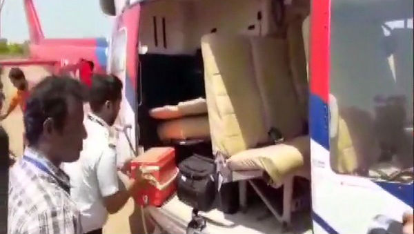Lok Sabha Elections 2019: Election Commission Officials Search Karnataka CM HD Kumaraswamy's Chopper