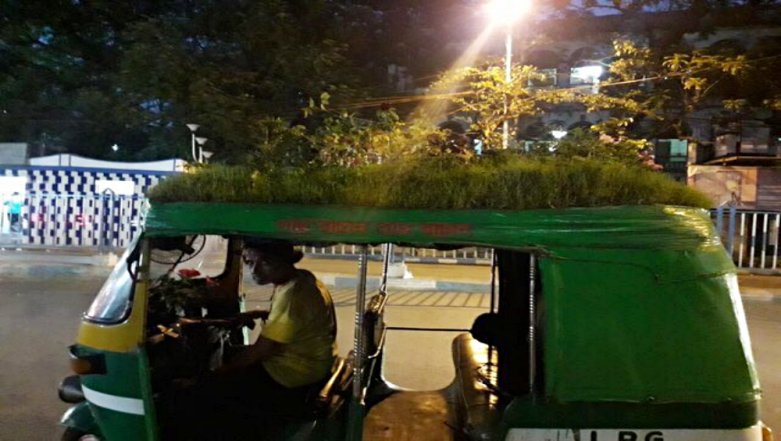 Beat The Heat! Kolkata Auto Driver Makes a Garden on Top of His Rickshaw to Give an Important Message