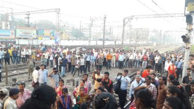 Mumbai: Local Trains Delayed on Central Line After Women Commuters Protest For Seat at Diva Railway Station