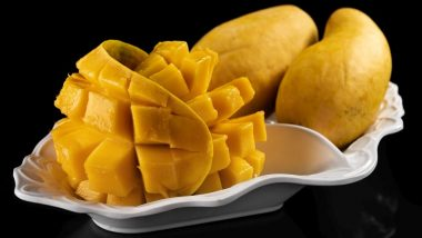 Calcium Carbide in Mangoes: Your Favourite Summer Fruit May Be Loaded With Cancer-Causing Chemicals; Easy Ways to Detect Artificial Ripening Agents (Watch Video)