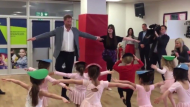 Prince Harry Does Pirouette! Duke of Sussex Does Ballet With Little Ones at YMCA London (Watch Cute Video)