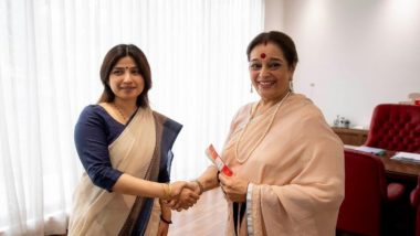 Shatrughan Sinha's Wife Poonam Sinha Joins Samajwadi Party; Likely to Contest Against Rajnath Singh From Lucknow