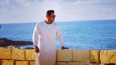 We Cannot Take Our Eyes Off From Salman Khan aka Bharat Dressed in a Off-White Kurta Pajama (See Pic)
