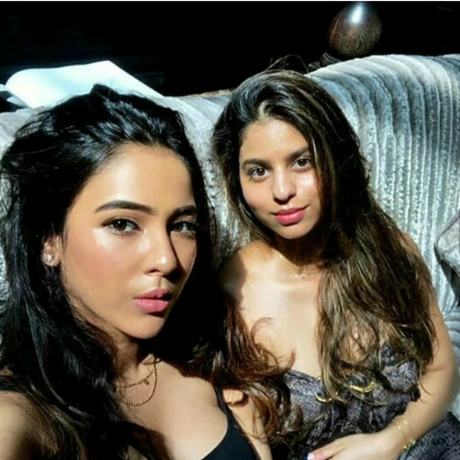 Suhana Khan's Dewy Look With Highlighter and Tinted Lip ...