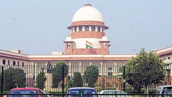 Supreme Court Hears Plea by Karnataka's Disqualified MLAs Seeking Deferment of Bypolls, Asks EC to Respond