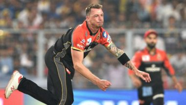 Dale Steyn Hands Suresh Raina Golden Duck During RCB vs CSK IPL 2019 Match, Watch Video Highlights