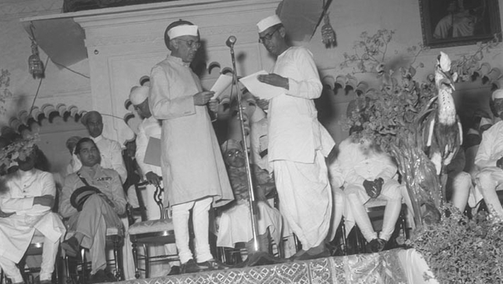 Former PM Pandit Jawaharlal Nehru (Photo Credits: Wikimedia Commons)