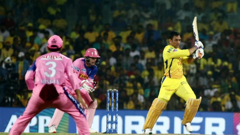 MS Dhoni, Imran Tahir & Other CSK Players Bond With Rajasthan Royals Team Post Winning Their IPL 2019 Clash by 8 Runs (See Pics and Video)