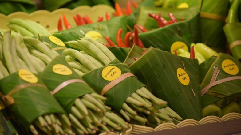 Thailand Supermarket Packs Food in Banana Leaves Instead of Plastic, Twitterati Impressed! (View Pics)