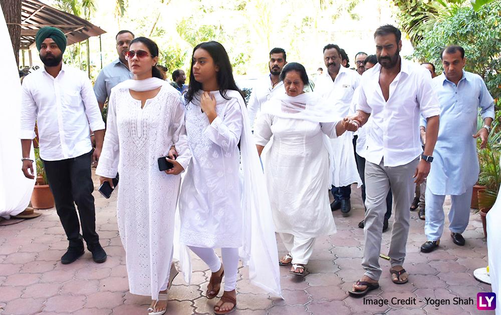 Veeru Devgan Prayer Meet: Ajay Devgn Arrives With Kajol and