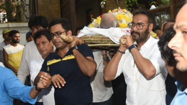 Veeru Devgan's Final Journey: Ajay Devgn Bids an Emotional Goodbye to His Father, Bollywood Celebs Offer Their Last Prayers