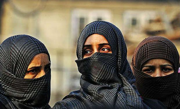 Bihar: JD Women's College in Patna Bans Burqa Inside Classroom, Imposes Rs 250 Fine for Dress Code Violation