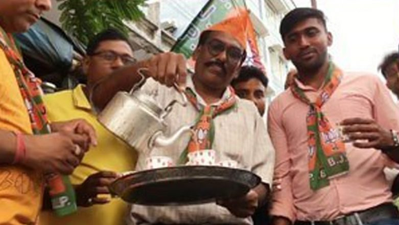West Bengal's 'Chaiwala' Celebrates Narendra Modi's Swearing-In With 'Free Tea' to Customers