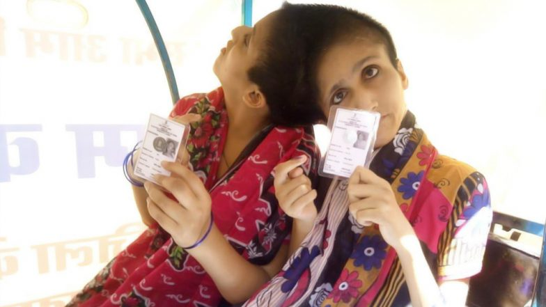 Lok Sabha Elections 2019: Conjoined Sisters Saba and Farah Vote As Separate Individuals for the First Time in Patna (See Pictures)
