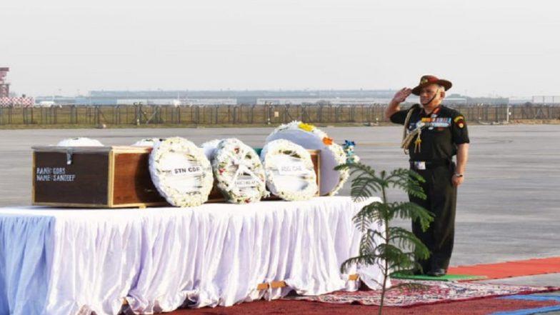 Jammu And Kashmir: General Bipin Rawat Pays Homage to Martyred Indian Army Jawan in Pulwama