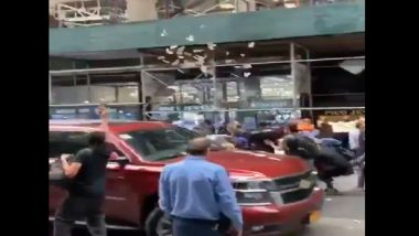 Video Claiming Indian Man Throwing USD 100,000 in Air To Celebrate PM Narendra Modi's Victory in 2019 Lok Sabha Elections at 47 Street in New York is Fake