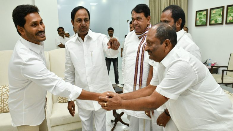K Chandrasekhar Rao, Jagan Mohan Reddy Agree to Work Together For Benefit of Both Telugu States