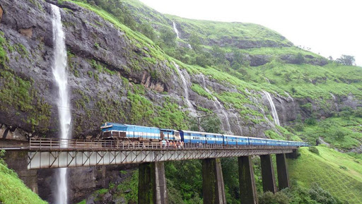 Konkan Railways Gears Up For Passengers Safety During Monsoon, Will Limit Speed of Mumbai-Goa Trains to 40 KMPH