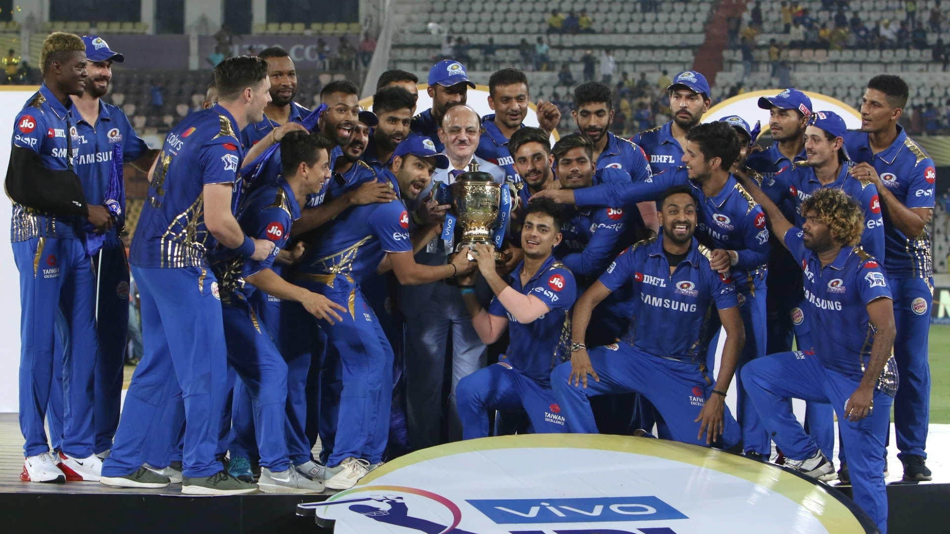 IPL 2020: Mumbai Indians Fans Back Their Team to Win Indian Premier League Trophy in Odd Year, Trend #GoEvenThisSeason on Twitter; Check Funny Jokes and Memes